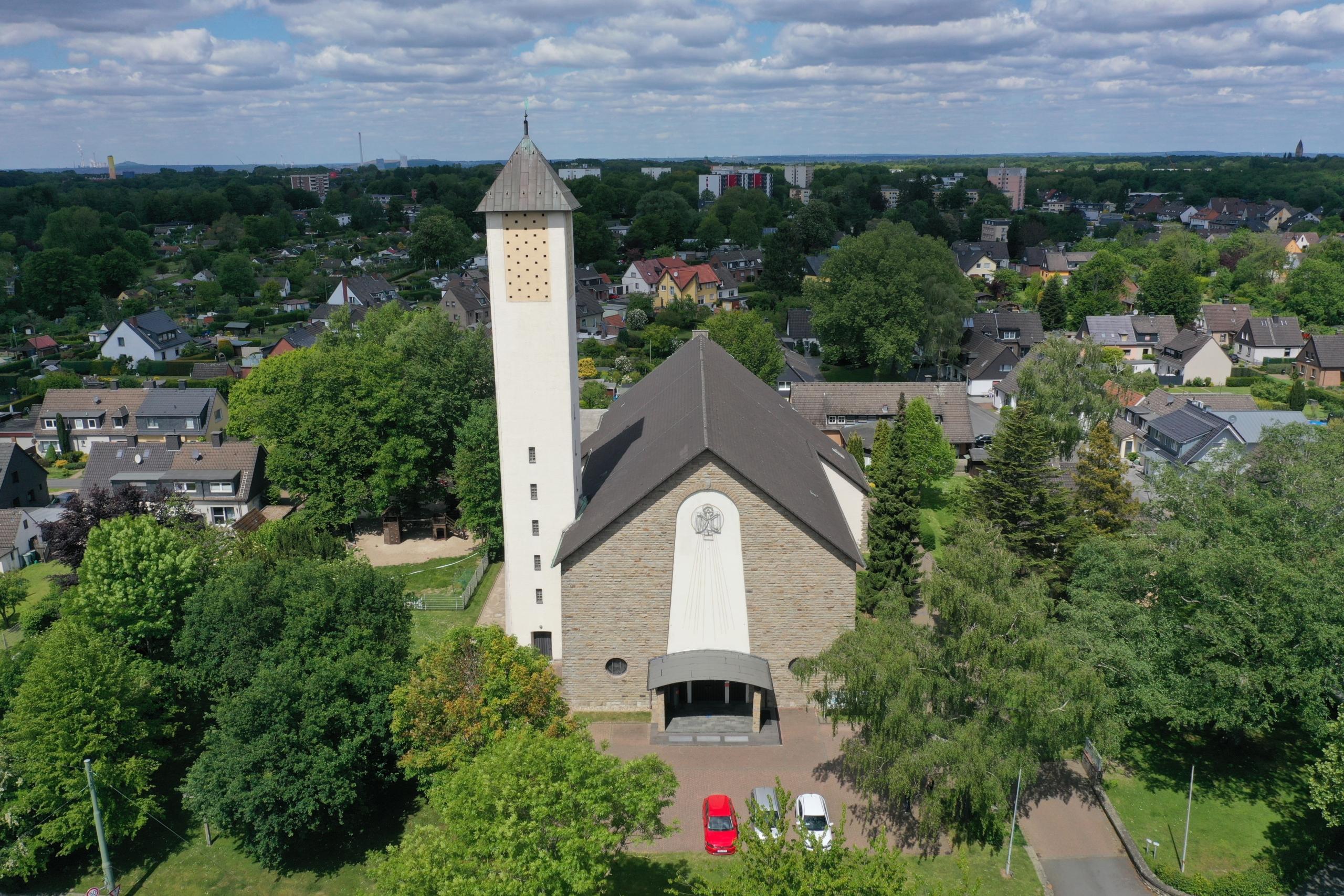 Außenansicht der Heilig Geist Kirche in Bochum-Harpen