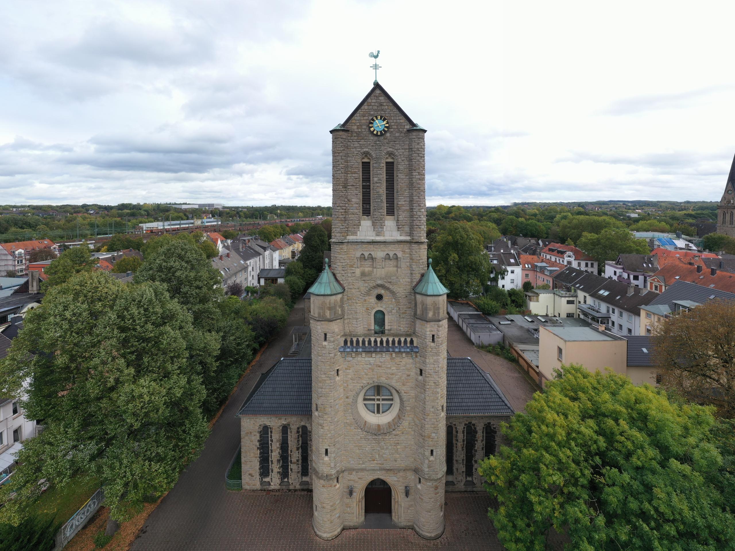 Luftaufnahme der St. Marienkirche in Langendreer